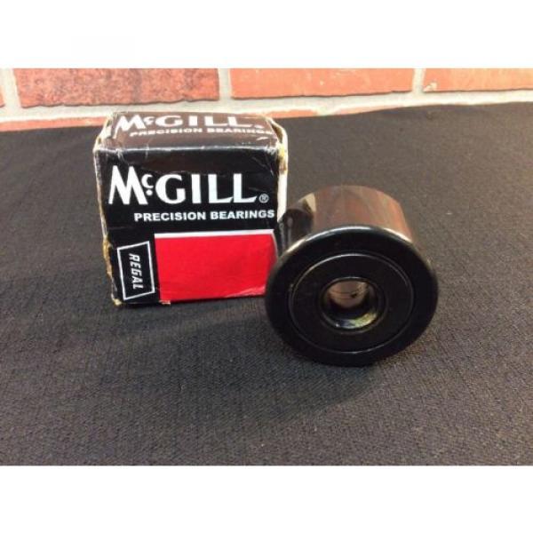 McGill Lubri-Disc 2 1/2 Cam Yoke Roller Bearing CYR2 1 Qty